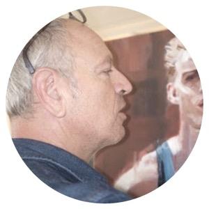 artiste peintre qui réalise des portraits à la commande
